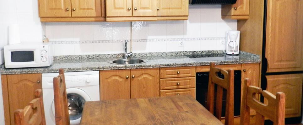 http://apartamentoslaalberca.com/wp-content/uploads/2014/07/apartamentos-turisticos-la-alberca-965x400.jpg